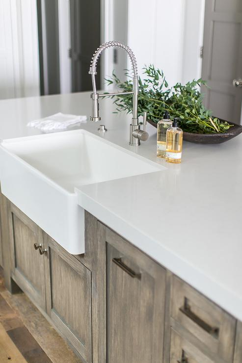 White Quartz Countertop Design Ideas