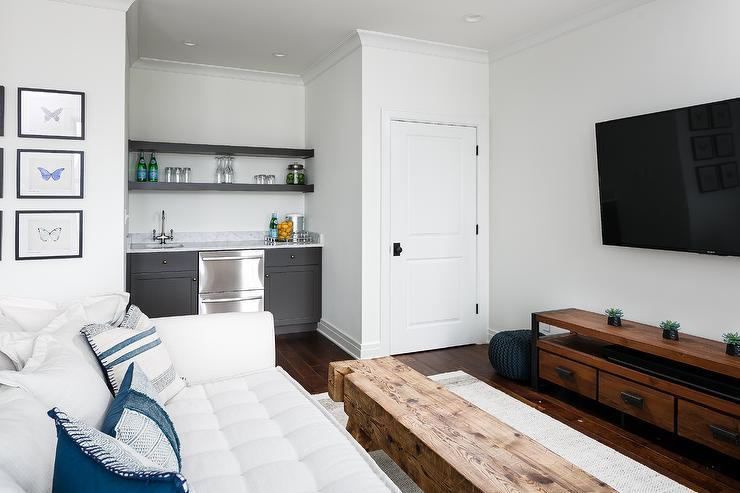 Groovy White Tufted Sofa At Foot Of Bed With Industrial Tv Cabinet Inzonedesignstudio Interior Chair Design Inzonedesignstudiocom