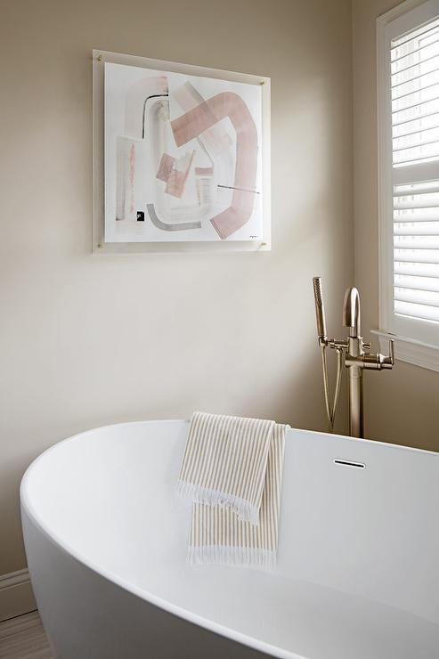 Corner Oval Bathtub with Floor Mount Gooseneck Tub Filler ...