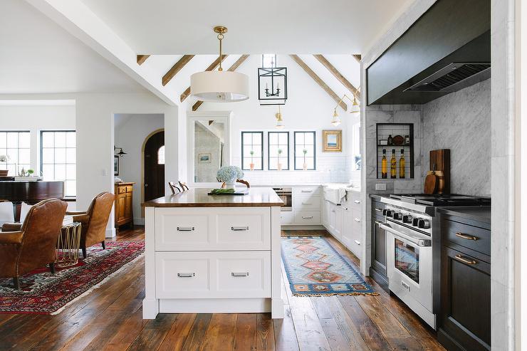 Kitchen Cabinets Ideas kitchen nook cabinets : Kitchen Nook with Dark Stained Oak Cabinets - Transitional - Kitchen