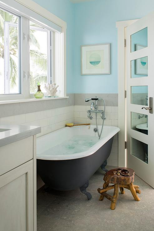 Blue Cottage Style Bathroom with Black Clawfoot Bathtub - Cottage ...