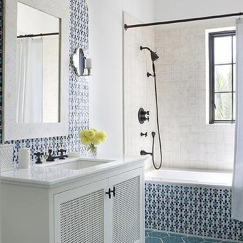 Black And White Moroccan Style Bathroom Floor Tiles Design Ideas