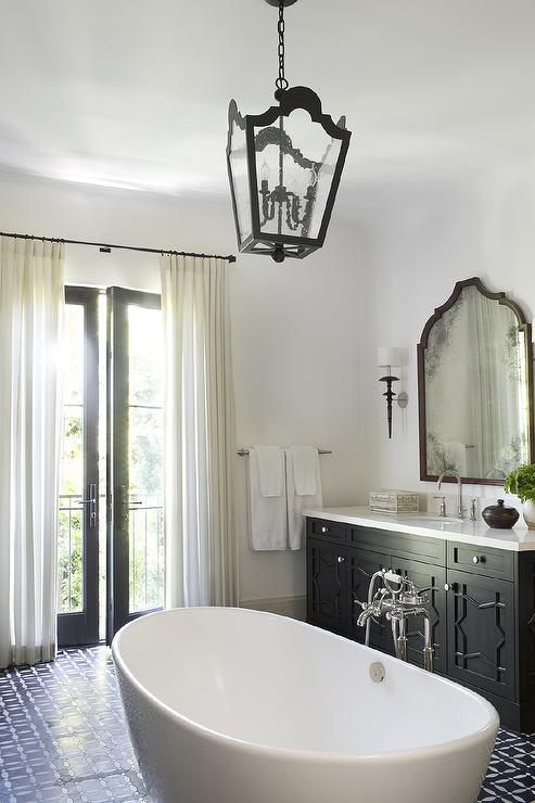 Moroccan Style Bathroom With Center Of The Room Bathtub