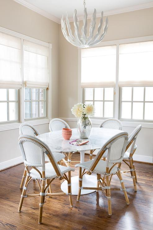 Nice Bistro Breakfast Table Part - 13: White Leaves Chandelier With Oval Marble Top Dining Table