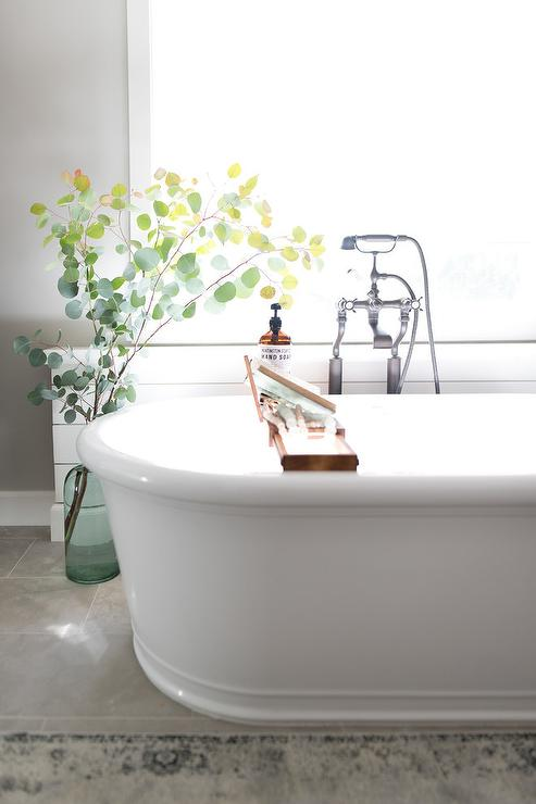 Freestanding Bathtub Design Ideas