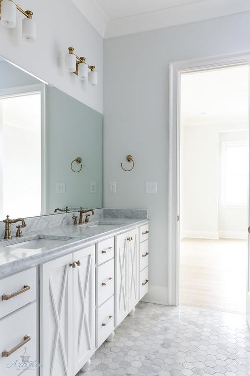 Incroyable White Bath Vanity Cabinets With X Doors