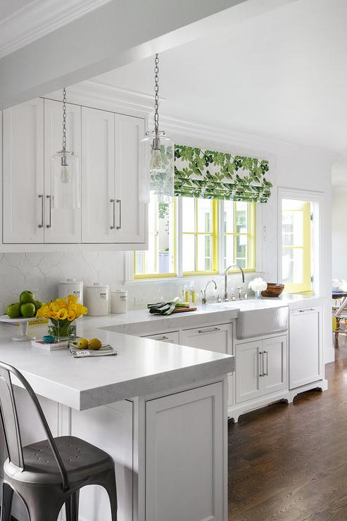 Superbe White Kitchen With Green And Yellow Accents