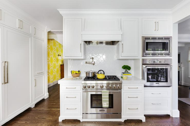 White Quatrefoil Backsplash Tiles Transitional Kitchen