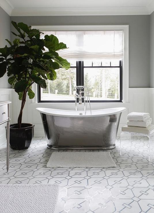 Modern Cast Iron Bathtub With Fiddle Leaf Fig Plant