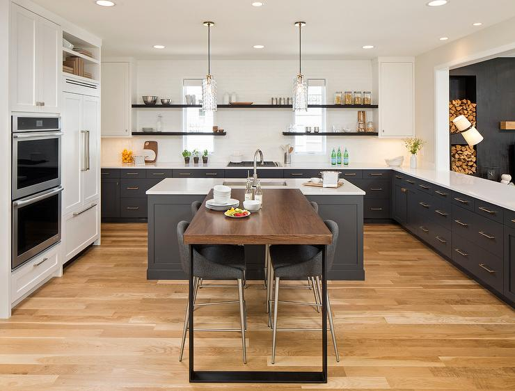 Perpendicular Kitchen Breakfast Bar