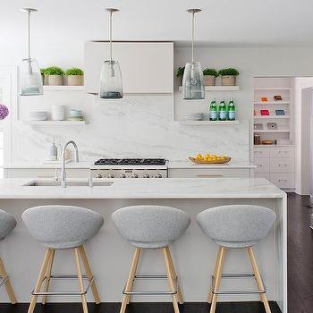 Interior design inspiration photos by D2 Interieurs.