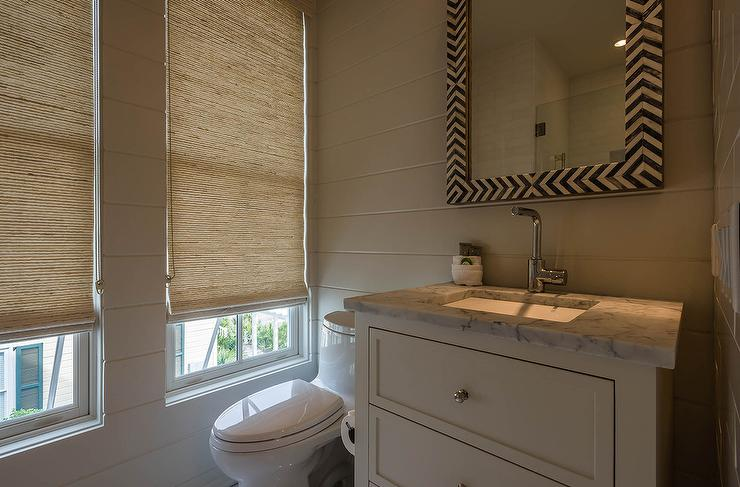 Taupe walls traditional bathroom bhg - Wall taupe ...