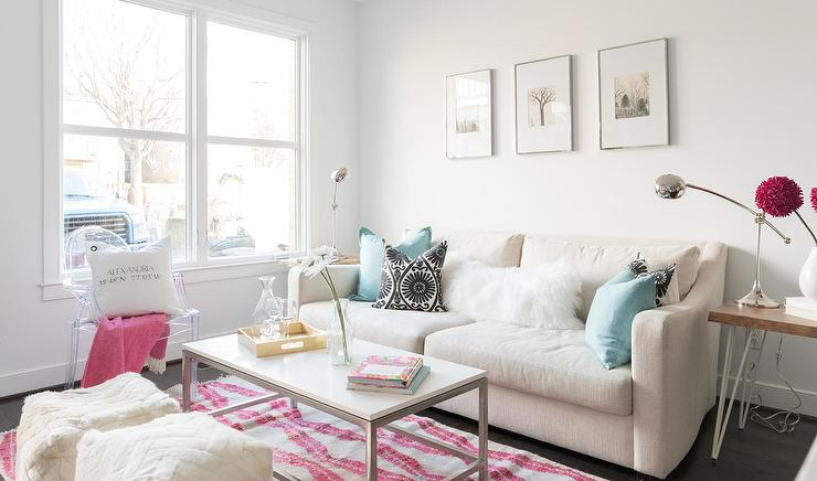 Charming Cream Sofa With Aqua Pillows