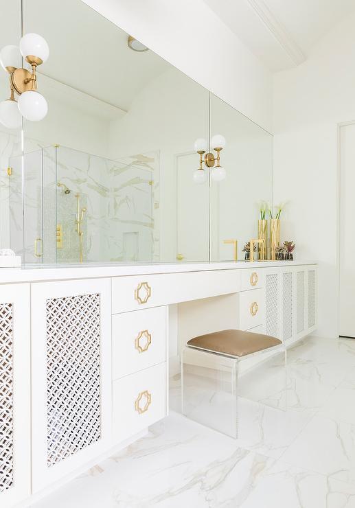 Arched Alcove With Bay Window Tub Hollywood Regency Bathroom