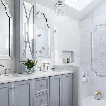 marble pony wall between washstand and shower