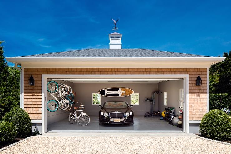 Shingled Garage With Concrete Floor Cottage Home Exterior