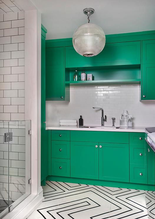 Charmant Kelly Green Laundry Room Cabinets