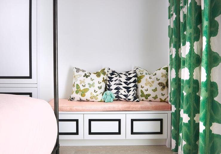 Peachy Black And White Built In Bench With Blush Pink Cushion Caraccident5 Cool Chair Designs And Ideas Caraccident5Info