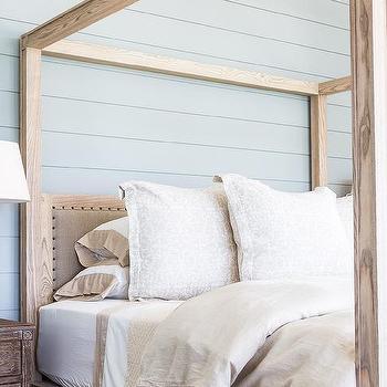 Beautiful Alyssa Rosenheck: Oak Wood Canopy Bed With Tan Bedding