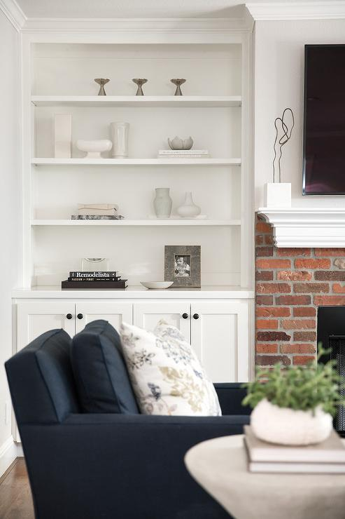 Red Brick Fireplace With White Mantel Part 69