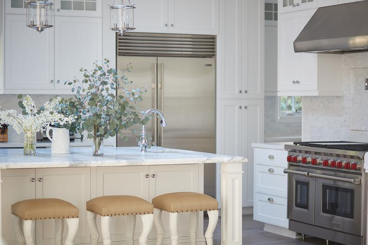 Remarkable Gold Burlap Counter Stools Transitional Kitchen Beatyapartments Chair Design Images Beatyapartmentscom