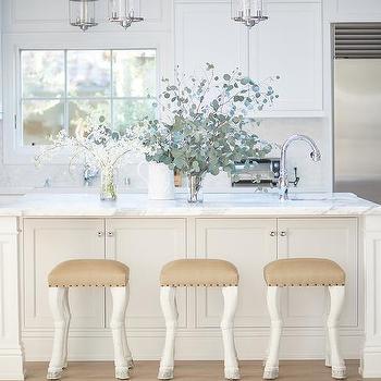 Fabulous Hoof Feet Kitchen Bar Stools Design Ideas Beatyapartments Chair Design Images Beatyapartmentscom