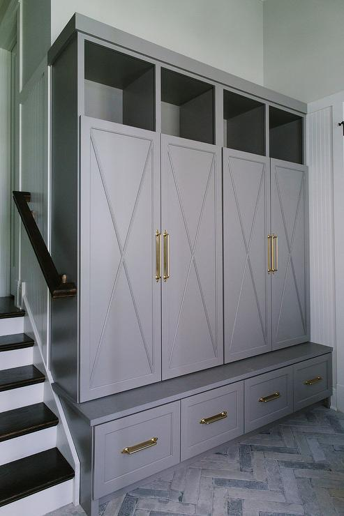 Closed Mudroom Lockers Design Ideas