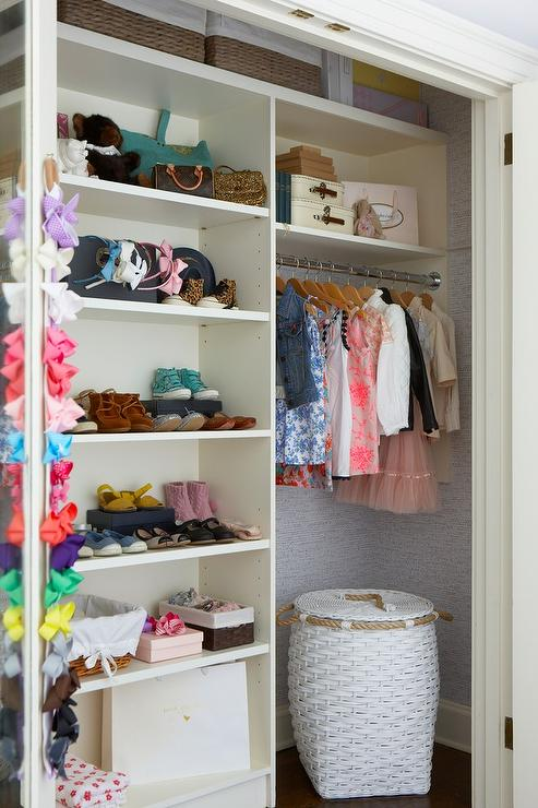 Kid Closet With Modular Shoe Shelves