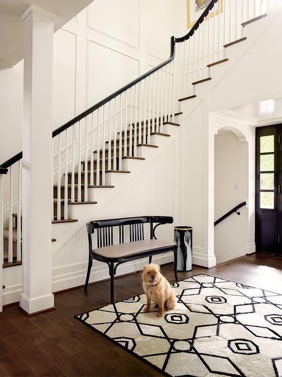 Black Entry Bench With Cream And Black Rug