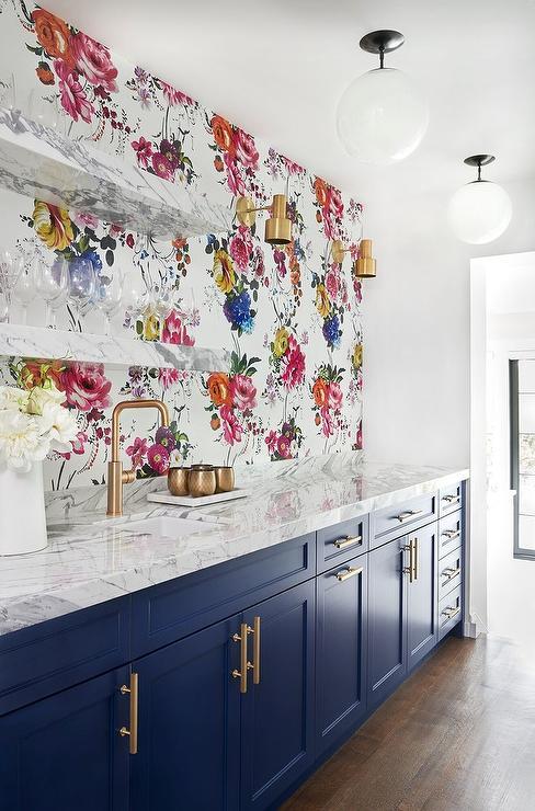 Dark blue bar cabinets with glossy black backsplash tiles for Blue kitchen wallpaper