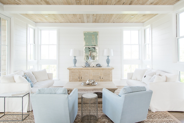 Blue Chairs With White Sofas