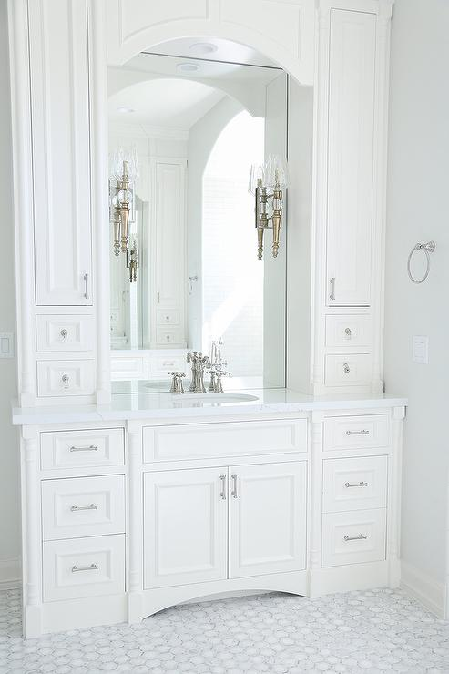 off white bathroom cabinets cottage bathroom giannetti home. Black Bedroom Furniture Sets. Home Design Ideas