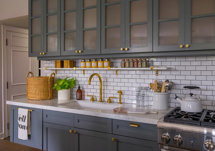 Thin Horizontal Brick Kitchen Wall Tiles Design Ideas