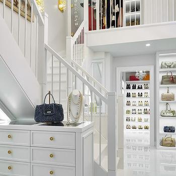Genial Walk In Closet Staircase