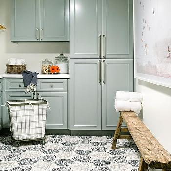 Rustic Laundry Room Cabinets Design Ideas