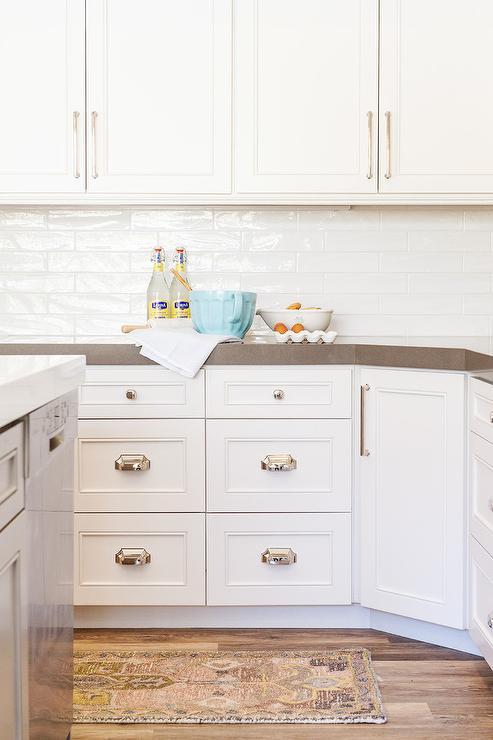 Horizontal White Glazed Backsplash Tiles Transitional Kitchen