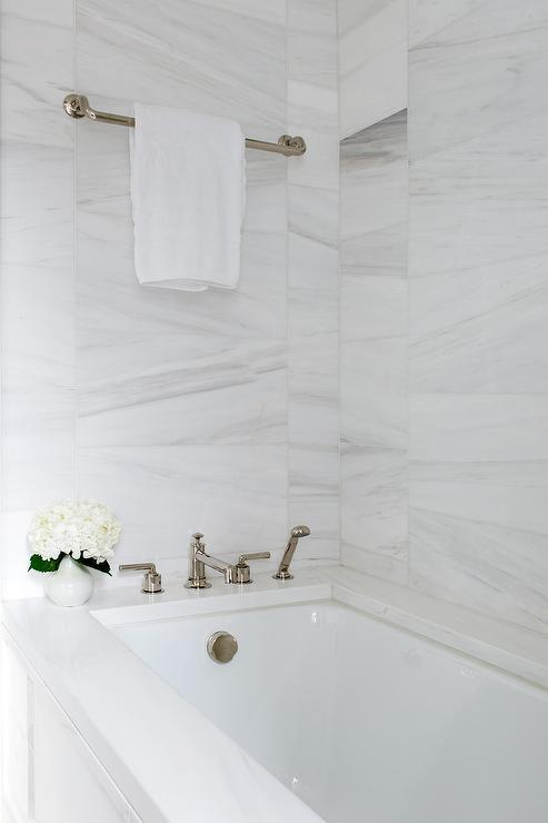 Mixed Sized Marble Wall Tiles Contemporary Bathroom