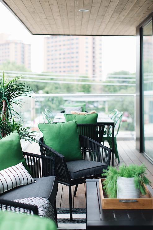 Black Wicker Outdoor Chairs With Kelly Green Pillows