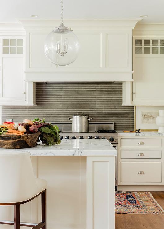 Ivory kitchen island design ideas for Ivory kitchen ideas