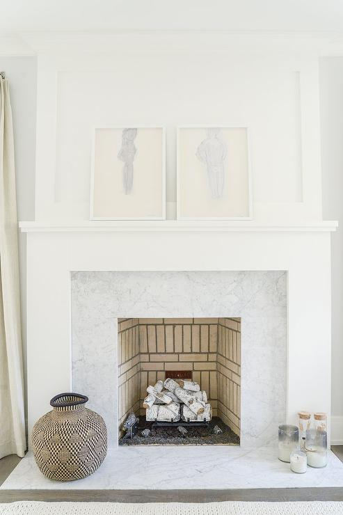 Incroyable Marble Tiles On White Bedroom Fireplace Mantel