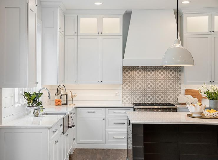 Shiplap Kitchen Cooktop Backsplash Design Ideas