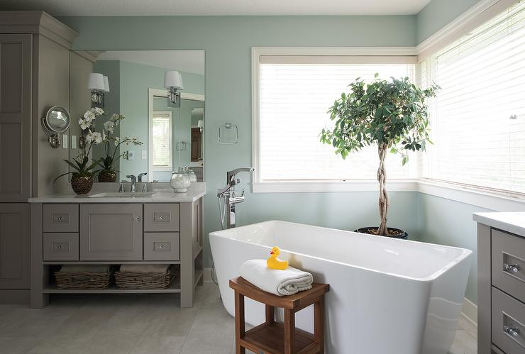 Corner Freestanding Bathtub And Money Tree