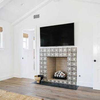 Bedroom Black And White Fireplace Tiles Design Ideas
