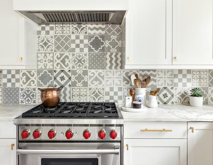 White And Gray Mismatched Mosaic Backsplash Tiles