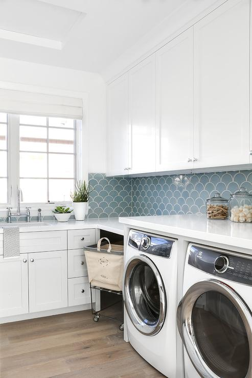 U Shaped Laundry Room Design Ideas