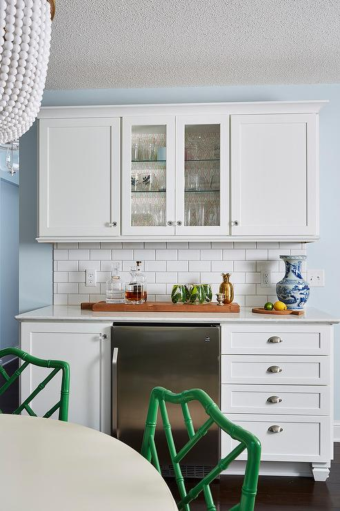 Transitional Built In Kitchen Bard Design Boasts White Shaker Cabinets,  Satin Nickel Pulls And Glass Knobs Finished With A White Quartz Countertop  And White ...