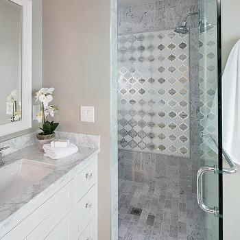 Staggered Marble Shower Tiles Design Ideas