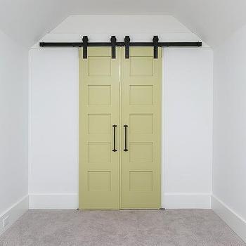 Boy\'s Bedroom Barn Doors Design Ideas