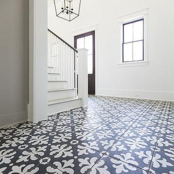 Black And White Fleur De Lis Foyer Tiles
