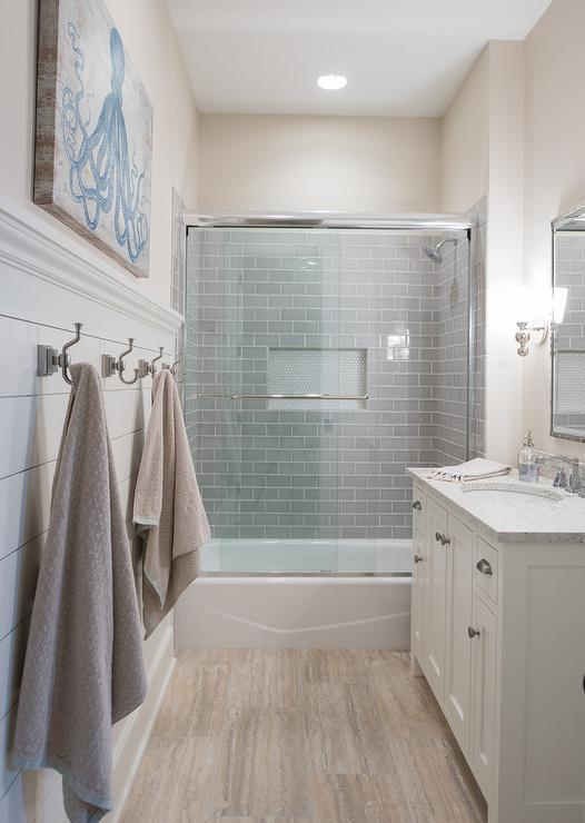 Shiplap Bath Wall With Towel Hooks